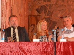 Direktorica VDC Špela Režun (na sliki) verjame, da se lahko tudi v javnem sektorju ocenjujejo cilji posameznika. Želi si, da bi to opazila še država.