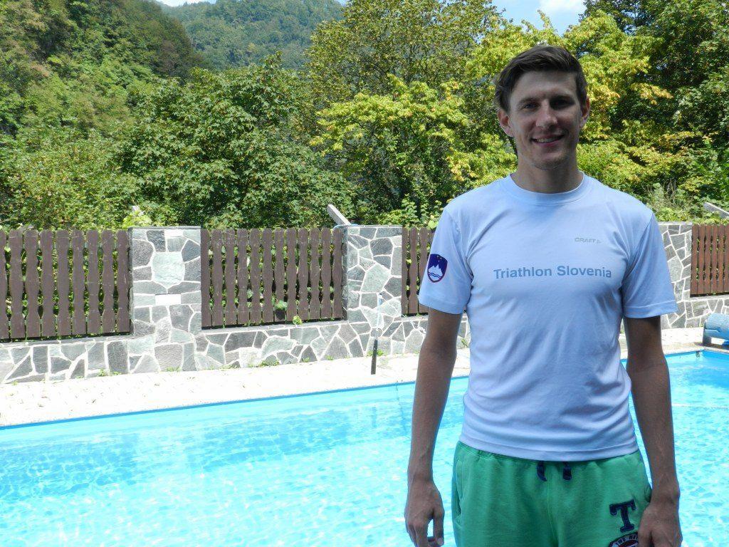 Najšibkejša disciplina za Denisa je plavanje, zato so postali vsakodnevni plavalni treningi stalnica.